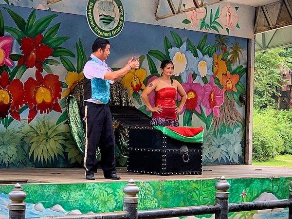サムプランエレファントグランドアンドズー(サムプラン象園)のマジックショー