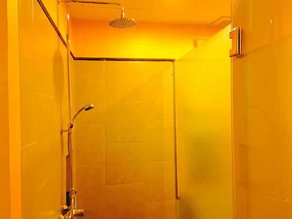 シャンハイ マンション バンコク (Shanghai Mansion Bangkok)のシャワールーム