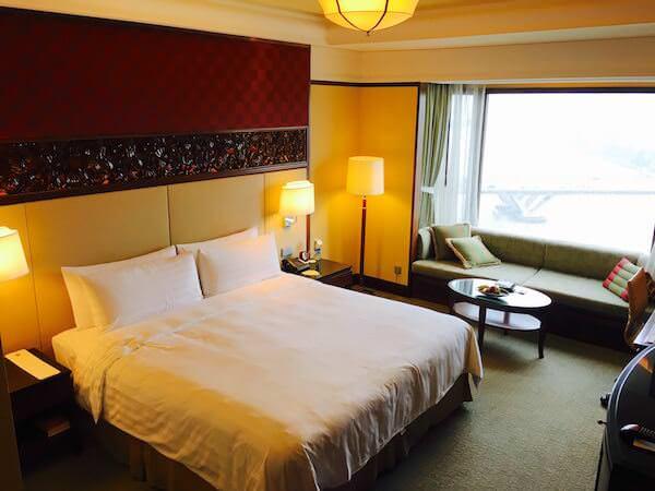 シャングリラ ホテル バンコク (Shangri-La Hotel, Bangkok)のダブルベッド