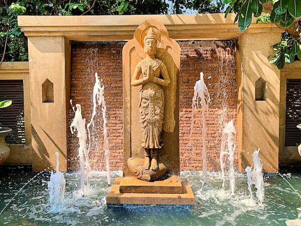 サイアムベイショアリゾートパタヤ(Siam Bayshore Resort Pattaya)の敷地内にある噴水