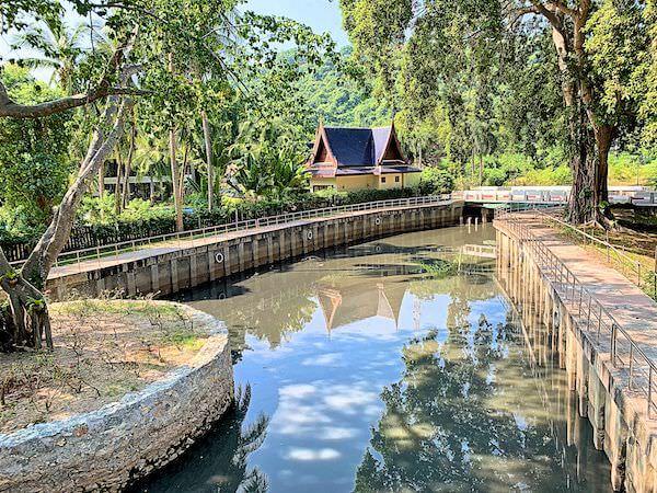 サイアムベイショアリゾートパタヤ(Siam Bayshore Resort Pattaya)の敷地内に流れる川