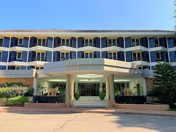 サイアムベイショアリゾートパタヤ(Siam Bayshore Resort Pattaya)のホテル入り口