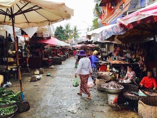 シェムリアップのプサルー市場