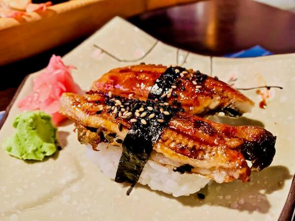 サイコウ ジャパニーズ レストラン(Saikou Japanese Restaurant)のうなぎ握り