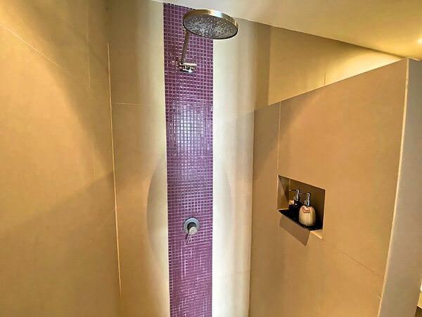 シーロム ワン ホテル(Silom One Hotel)の客室シャワールーム2