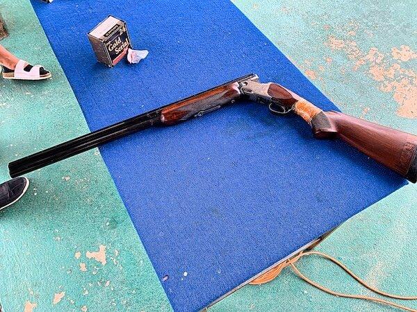 クレー射撃で使う散弾銃