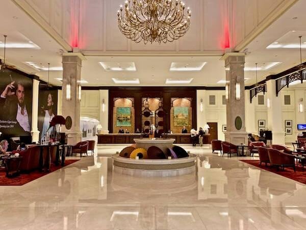 ソフィテル プノンペン プーキートラー ホテル(Sofitel Phnom Penh Phokeethra Hotel)のチェックインロビー