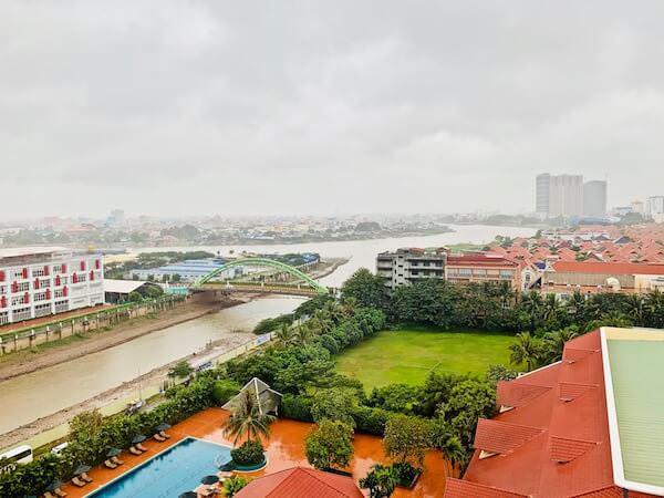 ソフィテル プノンペン プーキートラー ホテル(Sofitel Phnom Penh Phokeethra Hotel)の客室から見える景色