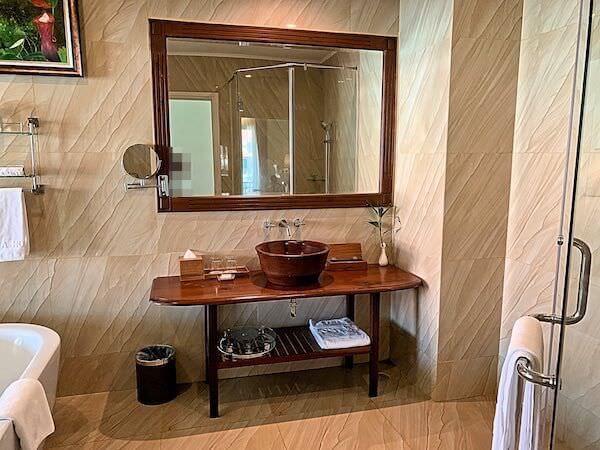 ソカ シェムリアップ リゾート アンド コンベンション センター (Sokha Siem Reap Resort and Convention Center)のバスルーム