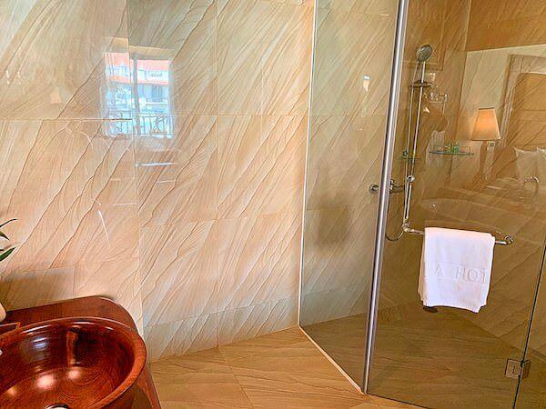 ソカ シェムリアップ リゾート アンド コンベンション センター (Sokha Siem Reap Resort and Convention Center)のシャワーブース