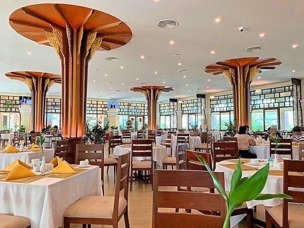 ソカ シェムリアップ リゾート アンド コンベンション センター (Sokha Siem Reap Resort and Convention Center)の朝食会場