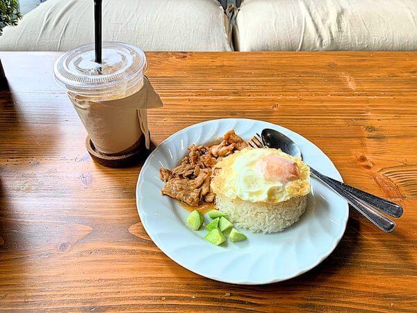 スークステーション(sook station)1階のカフェで食べたタイ料理