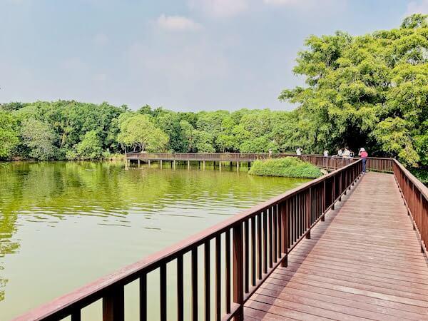シーナコンクエンカン公園の池