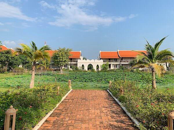 スリウィライ スコータイ(Sriwilai Sukhothai)敷地内の蓮池