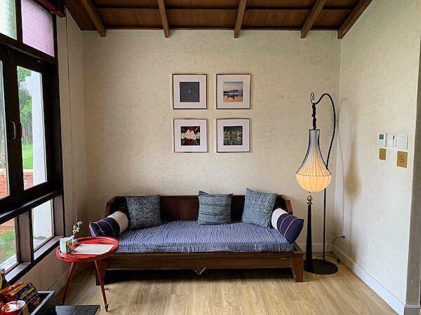 スリウィライ スコータイ(Sriwilai Sukhothai)スイートルーム客室のソファー