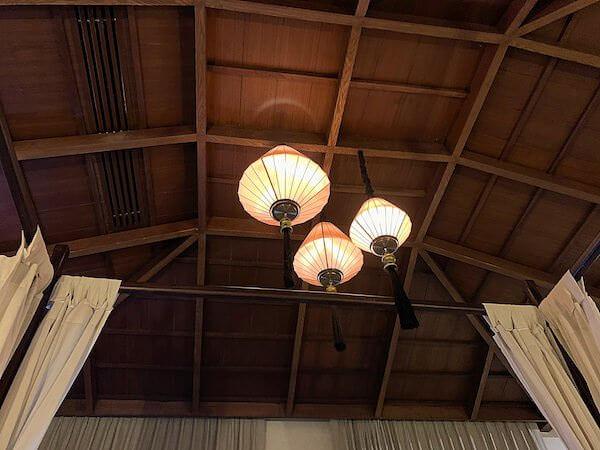スリウィライ スコータイ(Sriwilai Sukhothai)スイートルームの天井埋め込みエアコン