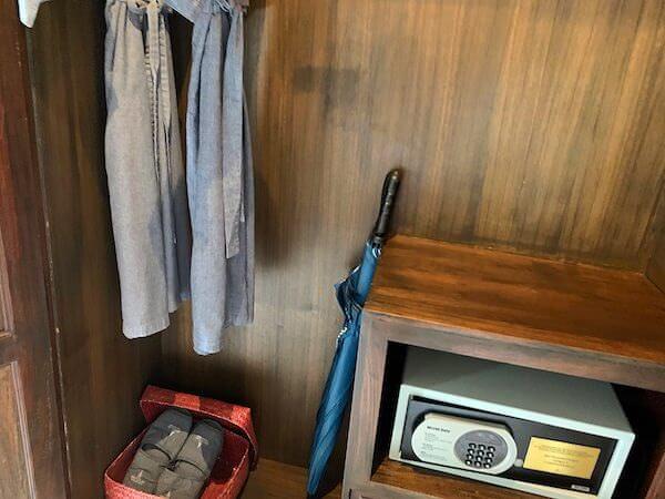 スリウィライ スコータイ(Sriwilai Sukhothai)スイートルーム客室のクローゼット