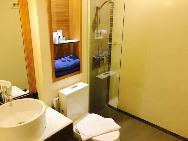 スワンナプーム スイート(Suvarnabhumi Suite)のシャワールーム