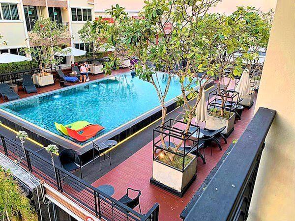 スワンナプーム ヴィル エアポート ホテル(Suvarnabhumi Ville Airport Hotel)のプール