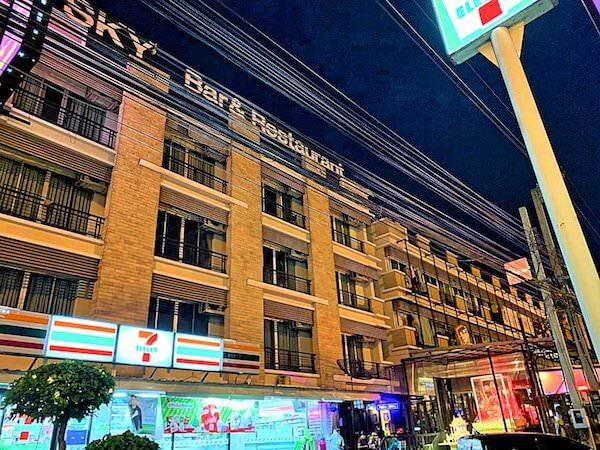 スワンナプーム ヴィル エアポート ホテル(Suvarnabhumi Ville Airport Hotel)の1階に併設されているセブンイレブン