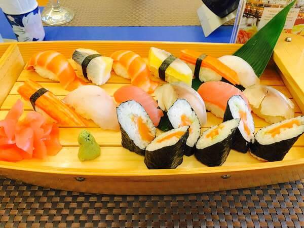 竹園(Takezono Restaurant At Sokha Siem Reap Resort)の寿司盛り合わせ