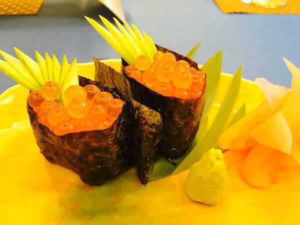 竹園(Takezono Restaurant At Sokha Siem Reap Resort)のいくら握り