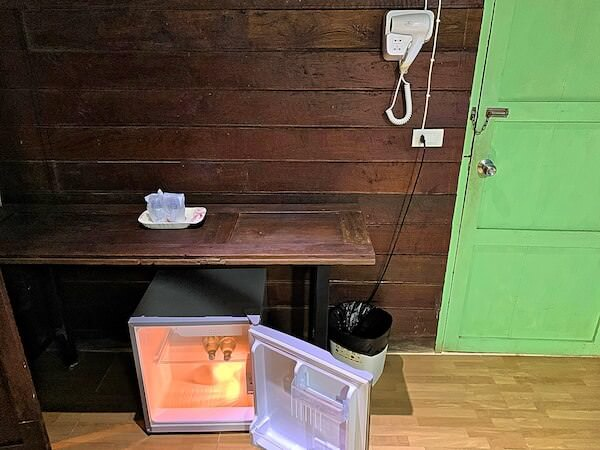 タマリンド ゲストハウス(Tamarind Guesthouse)のドライヤーと冷蔵庫