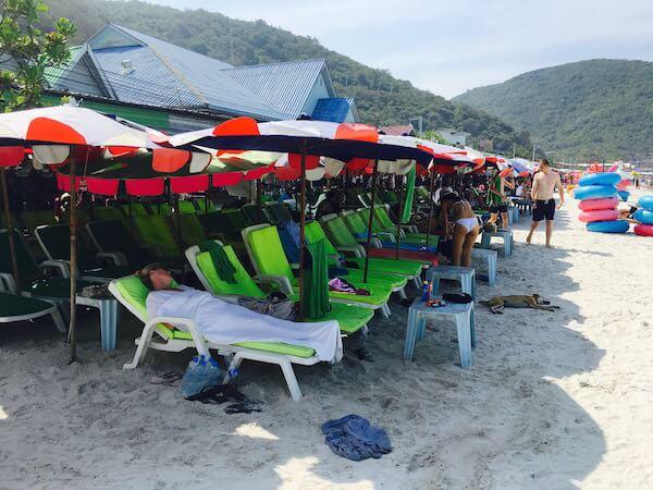 タワエンビーチのビーチチェアー