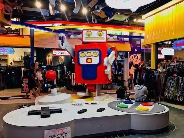 ターミナル21 パタヤ(Terminal21 Pattaya)のTOKYOフロアにあるスーパーファミコンのオブジェ