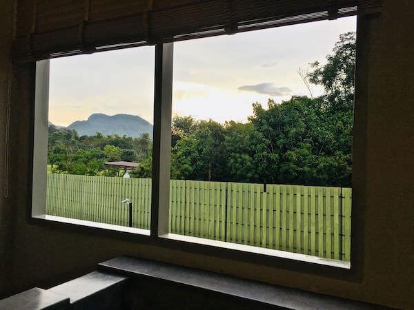 テムズ バレー カオヤイ ホテル(Thames Valley Khao Yai Hotel)のバスタブから見える景色