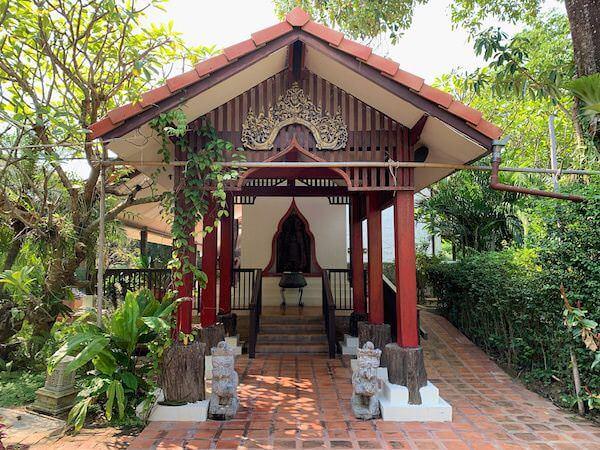 タラブリ リゾート スコータイ(Tharaburi Resort Sukhothai)の客室棟入り口