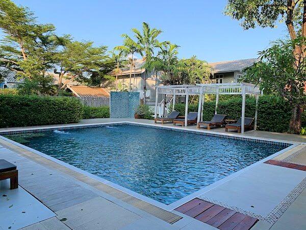 タラブリ リゾート スコータイ(Tharaburi Resort Sukhothai)のプール