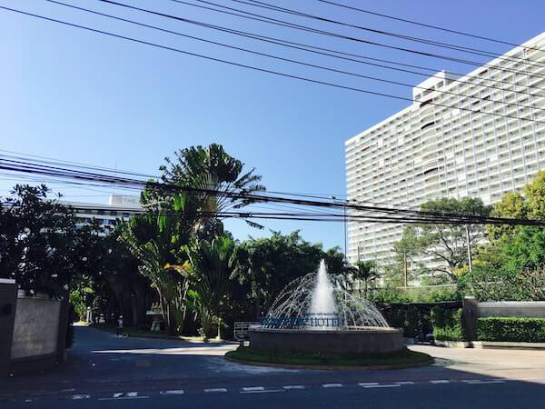 ザ ベイビュー ホテル パタヤ(The Bayview Hotel Pattaya)の入り口1