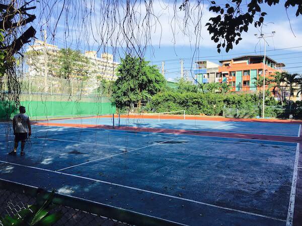 ザ ベイビュー ホテル パタヤ(The Bayview Hotel Pattaya)のテニスコート