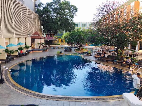 ザ ベイビュー ホテル パタヤ(The Bayview Hotel Pattaya)のプール1