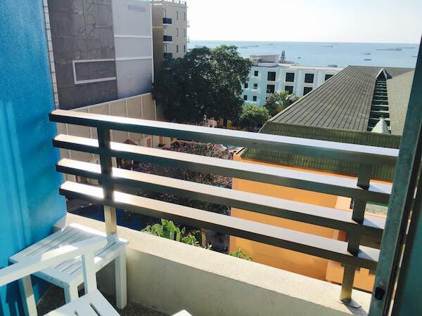 ザ ベイビュー ホテル パタヤ(The Bayview Hotel Pattaya)のバルコニー