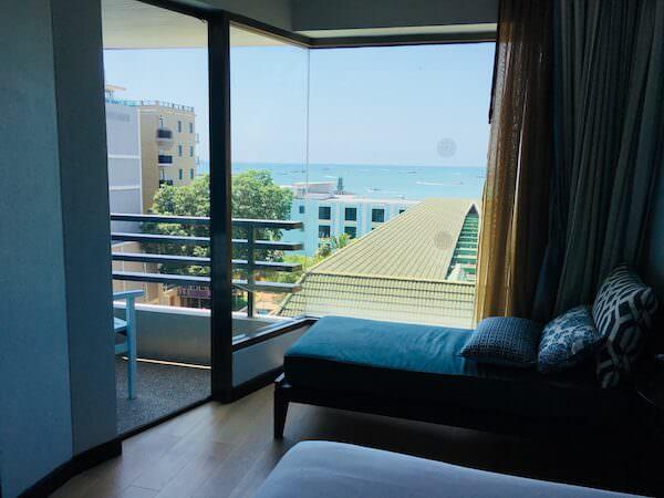 ザ ベイビュー ホテル パタヤ(The Bayview Hotel Pattaya)の客室から見えるオーシャンビュー1