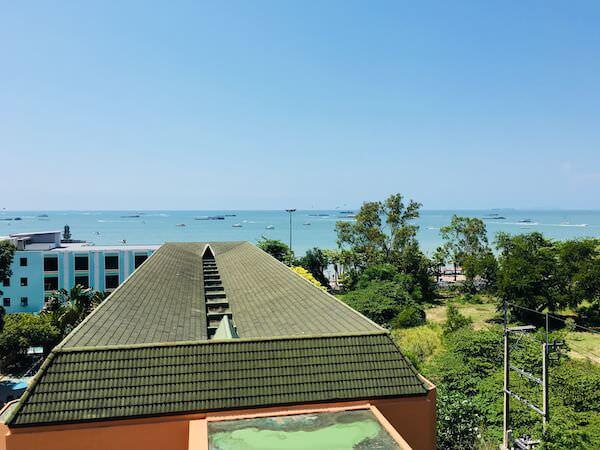 ザ ベイビュー ホテル パタヤ(The Bayview Hotel Pattaya)の客室から見えるオーシャンビュー2