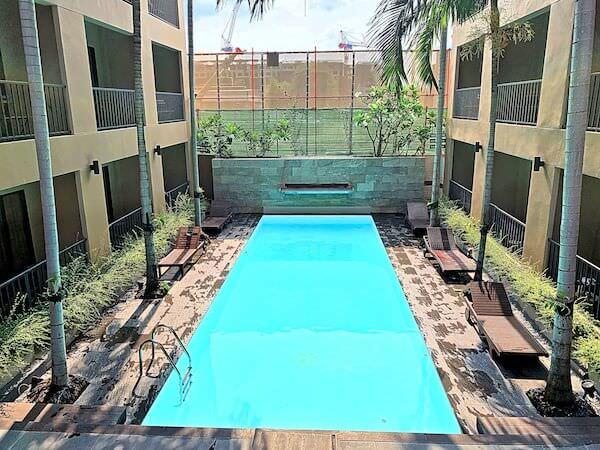 ザ コテージ スワンナプーム ホテル(The Cottage Suvarnabhumi Hotel)のプール