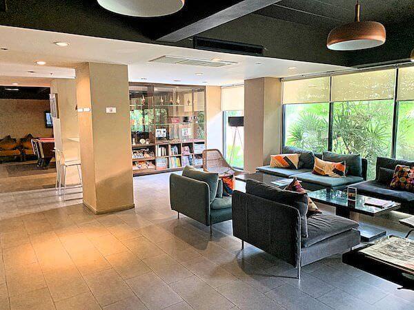 ザ コテージ スワンナプーム ホテル(The Cottage Suvarnabhumi Hotel)のエントランスロビー