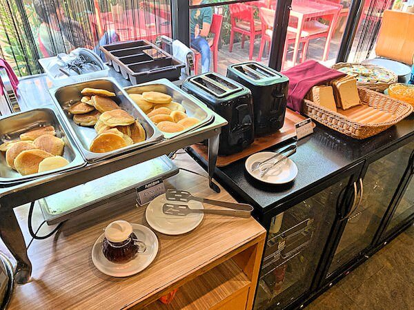 ザ コテージ スワンナプーム ホテル(The Cottage Suvarnabhumi Hotel)の朝食ビュッフェ