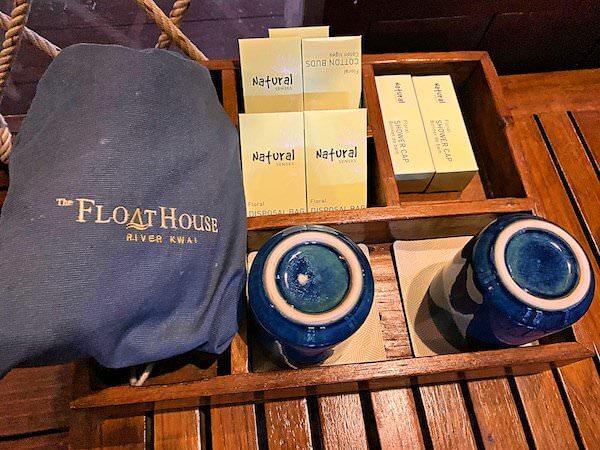 ザ フロートハウス リバークワイ リゾート(The Float House River Kwai Resort)客室ヴィラのアメニティ