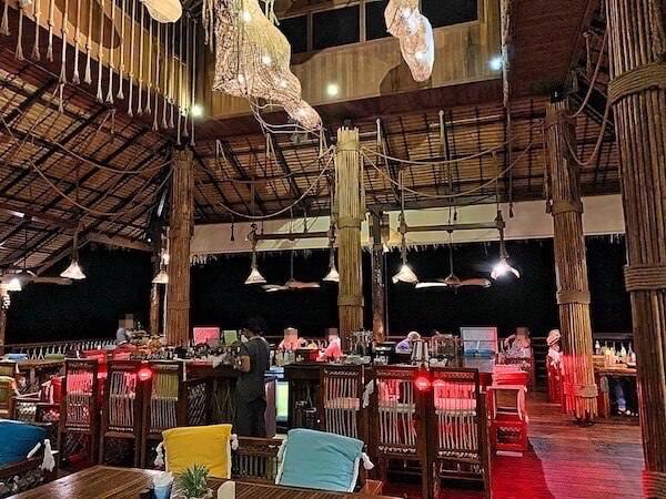 ザ フロートハウス リバークワイ リゾート(The Float House River Kwai Resort)のレストラン2