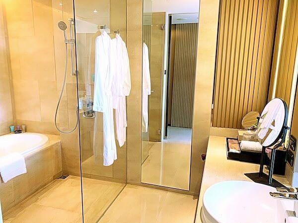 ジ オークラ プレステージ バンコク(The Okura Prestige Bangkok)のバスルーム1