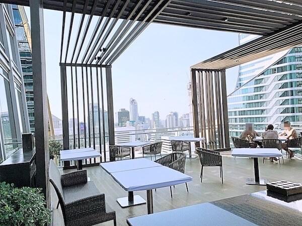 ジ オークラ プレステージ バンコク(The Okura Prestige Bangkok)のプールサイド