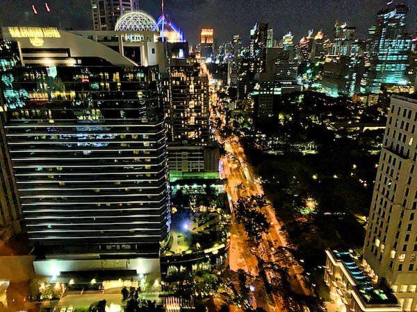 ジ オークラ プレステージ バンコク(The Okura Prestige Bangkok)の客室から見える夜景
