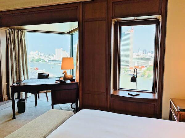 ザ ペニンシュラ バンコク(The Peninsula Bangkok)の客室にある調度品