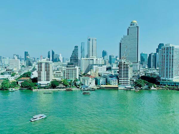 ザ ペニンシュラ バンコク(The Peninsula Bangkok)の客室から見えるチャオプラヤー川の景色2