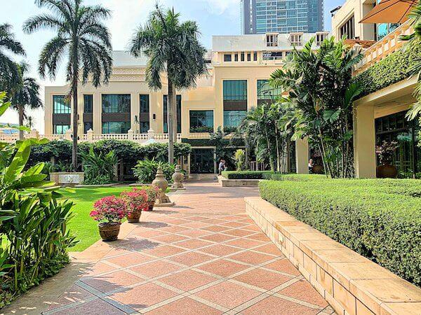 ザ ペニンシュラ バンコク(The Peninsula Bangkok)の中庭