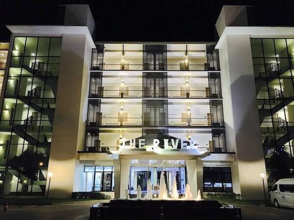 ザ リバー ホテル (The River Hotel)の外観